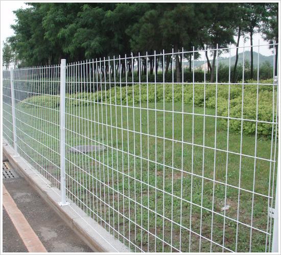 花园护栏网、绿地护栏网、衡水护栏网、护栏网三角折弯