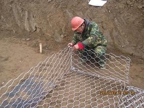 铅丝石笼网厂,镀锌铅丝笼厂家,包塑石笼网,石笼网箱、生态石笼网