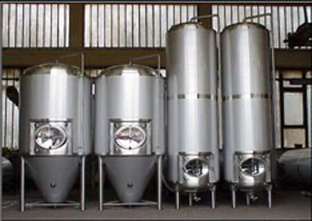 侧人孔门啤酒设备发酵罐