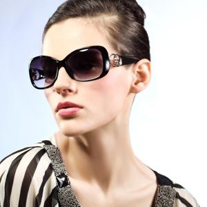 供应2012时尚太阳镜,偏光镜,厂家直销 可OEM贴牌生产。
