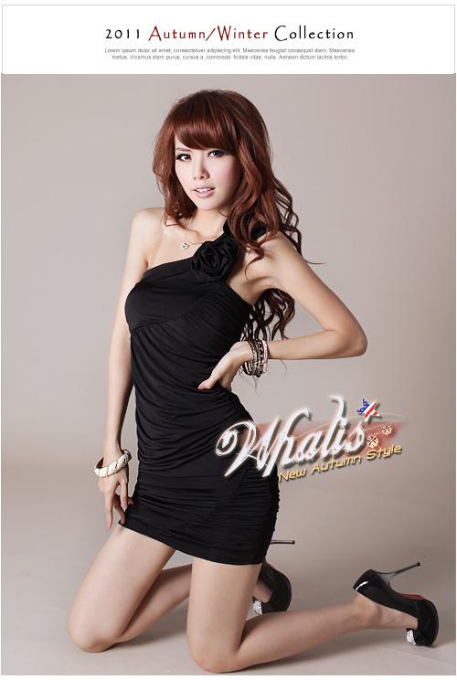 艾雅迩Q1132(二色)新款抓皱花朵斜肩洋装连衣裙