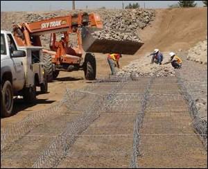 恒源HY-73R堤坡防护石笼网护坡雷诺护垫铅丝石笼网