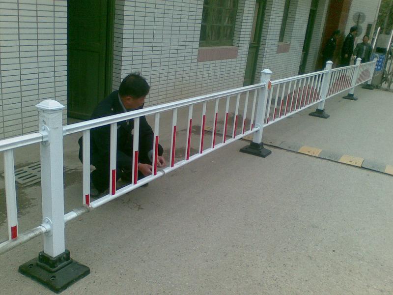 南京护栏镇江护栏泰州护栏扬州护栏防撞栏道路隔离栏无锡苏州南通