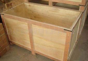 木质包装箱和相同外尺寸的传统木箱