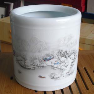 景德镇陶瓷笔筒 釉上彩贴花办公书房用品 雪景 古镇创意礼品瓷器