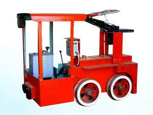 1.5吨窄轨架线式工矿电机车