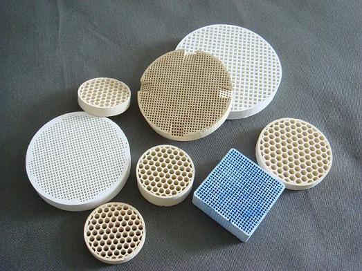 供应耐高温蜂窝陶瓷过滤片