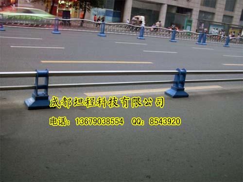 交通隔离墩1成都隔离栏