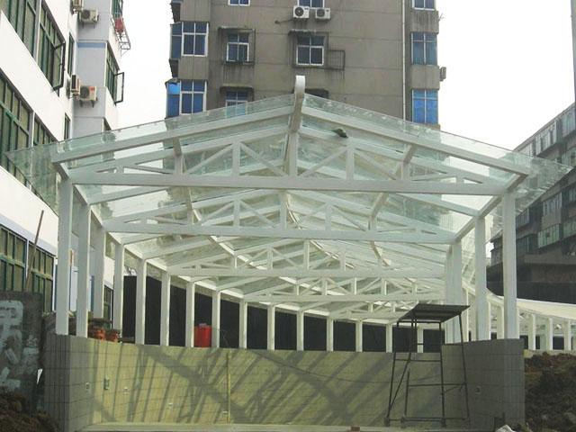 深圳钢结构玻璃雨棚制作安装