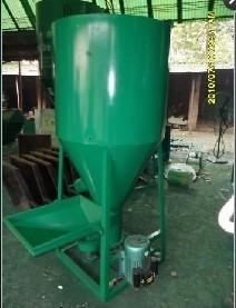 饲料搅拌桶 立式搅拌机 养殖饲料搅拌机,饲料加工设备