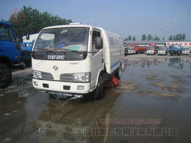 湖北随州东风福瑞卡多功能洒水扫路车厂家