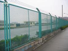活络网、小区围栏网、勾花护栏网安平车间隔离网