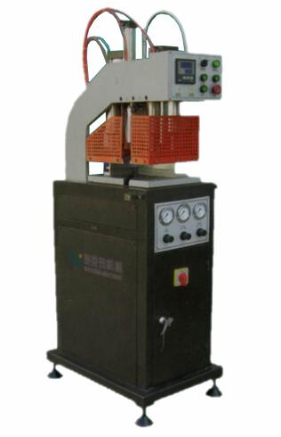 塑钢门窗设备 BDHJ01-100的显著特点