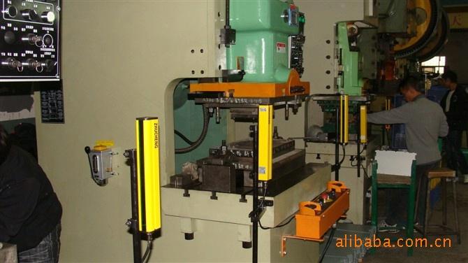 东莞60-80吨脚踏式气动冲床科力220V电压光电保护器批发