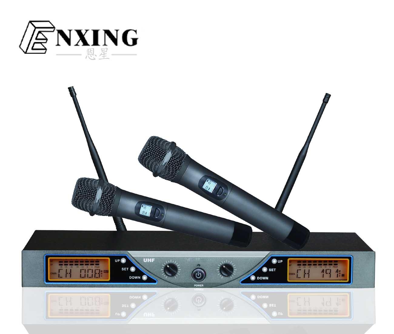 产品说明 接收机: •使用电源电压:AC100-240V/45-60HZ •消耗功率: 5WATER •信噪比:〉90dB •假象干扰比:〉80dB •邻道干扰比:〉80dB •接收灵敏度:〉5dBu(SINAD=20dB) 发射器: •发射功率:30mW •调制方式:FM •大调制度:50KHZ •高次谐波:低于主波基准40DB以上 •使用电源电压:1.