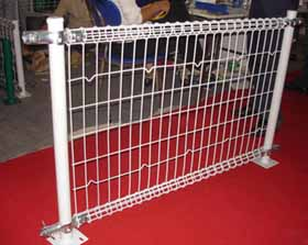 大量出售双圈护栏网