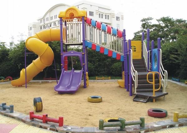 幼儿园滑梯玩具