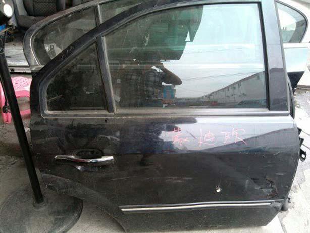 2005福特蒙迪欧后门总成 原装拆车件