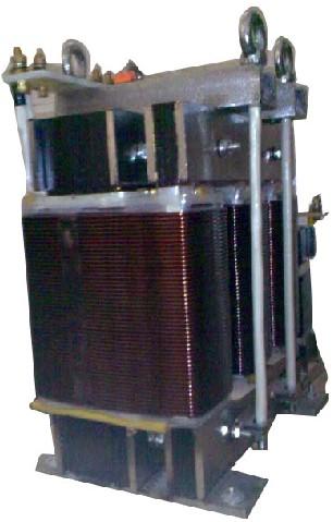 稳压(磁饱和变压器);自耦变压器;高压变压器(干式和油浸式)等,变压器