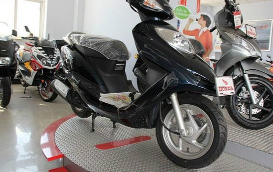 出售五羊本田佳颖125摩托车