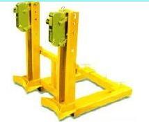 油桶夹-莱尔特天津北京上海仓储设备专业生产制造
