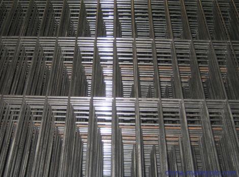 排放整齐的不锈钢电焊网卷,201材质不锈钢焊接网片