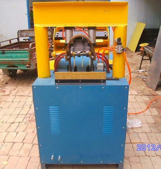 砖带网顶焊机价格梯子网焊接机价格