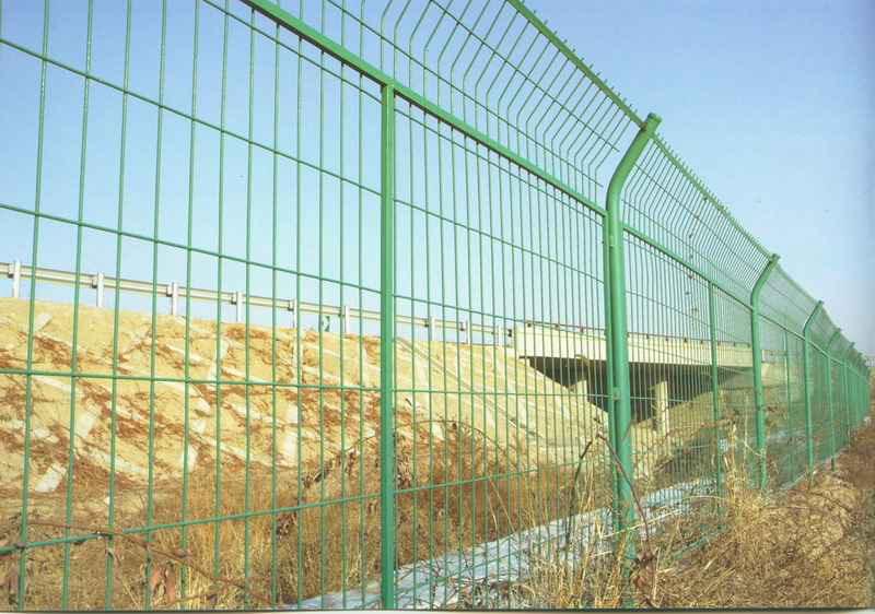 公路隔离栅|铁路防护网|边框护栏网