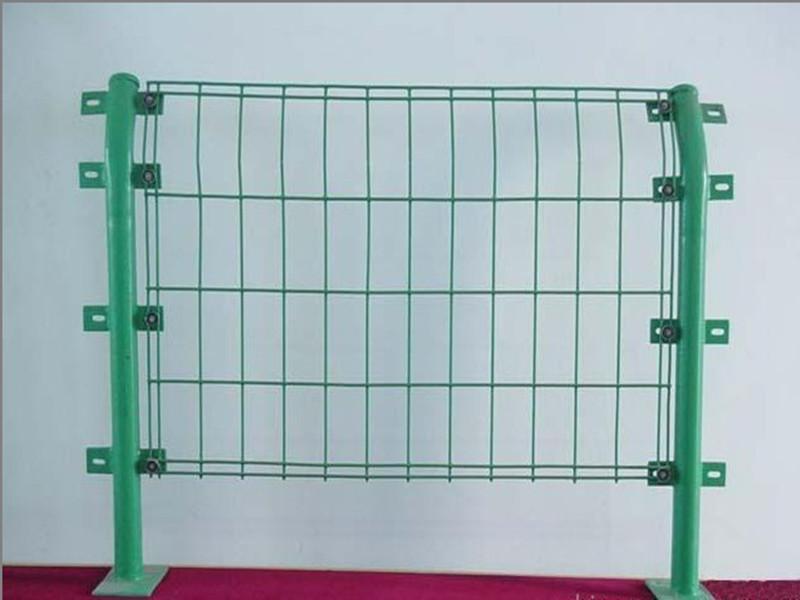 内蒙市场涂塑双边丝护栏网