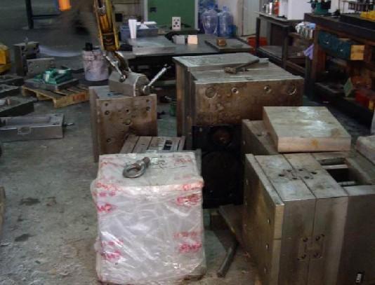西乡废模具回收、明治模具铜回收、黄田五金模具回收