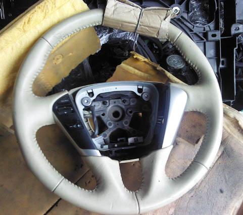 日产天籁J32方向盘、仪表台 仪表 机盖 原装拆车件