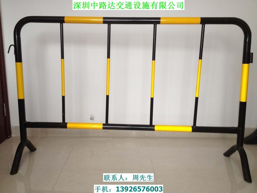 深圳铁马厂家、厂价供应全国各地铁马,优质钢管烤漆贴工程级反光膜