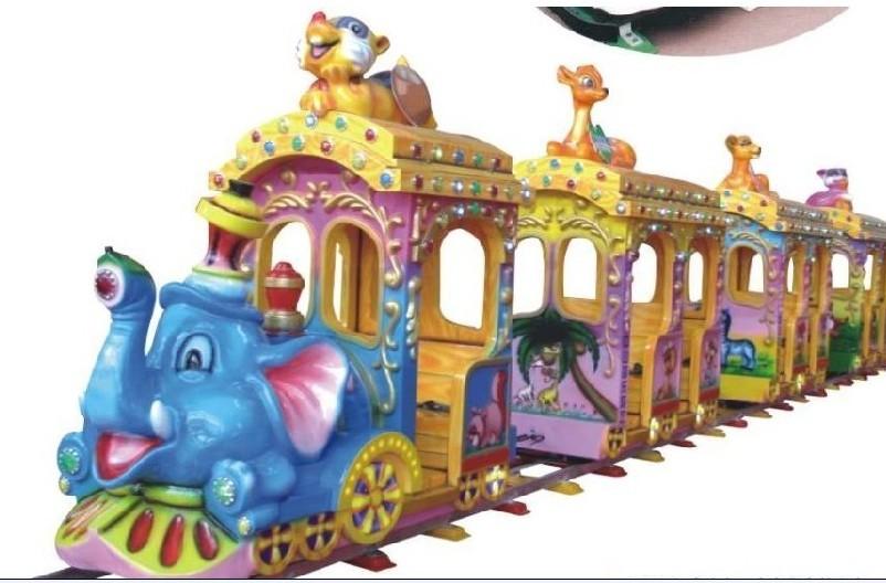 可爱象轨道小火车