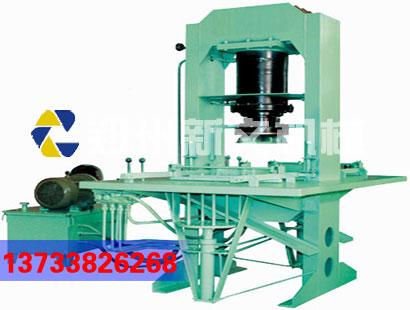 要提高免烧砖机的强度和质量,须增加黏结剂和增强剂的比例