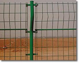 60元/套绿色PVC双边丝隔离栅