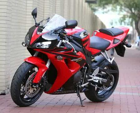 雅马哈YZF-R7摩托车价格   2900元