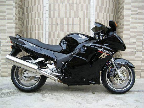 本田CBR1100XX摩托车价格   3100元