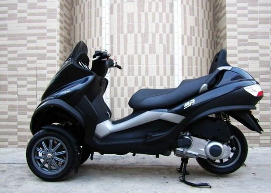 比亚乔MP3-250摩托车价格:1800元