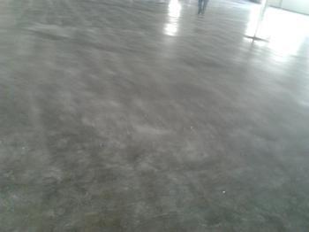 聊城金刚砂耐磨地坪材料10年专业厂家