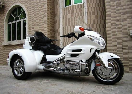 本田金翼三轮车摩托车经销商价格