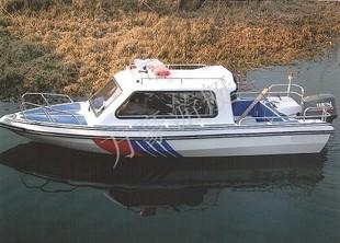 万豪游艇、8人玻璃钢半棚快艇