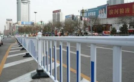 道路边缘护栏