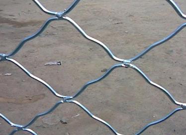 供应济南窗户防盗网 热镀锌美格网生产厂家