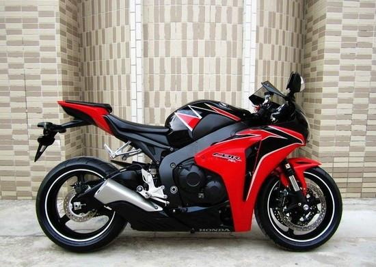 桂林本田CBR1000RR摩托车本田经销商,价格:3000元
