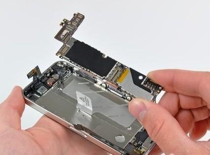 但显示器无显示,在排除显示器和vga连接线故障之后也可以基本确定主板