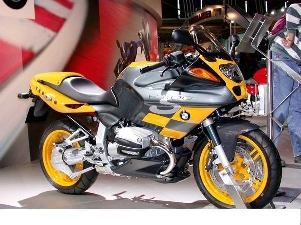 出售宝马 S1000RR摩托车