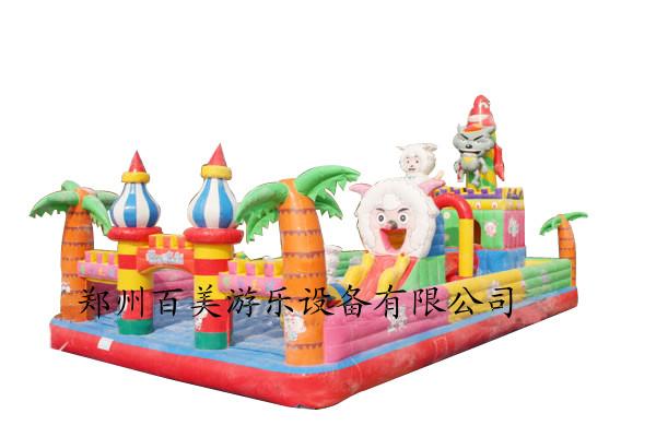 北京孩子充气蹦床,新款羊村堡充气玩具