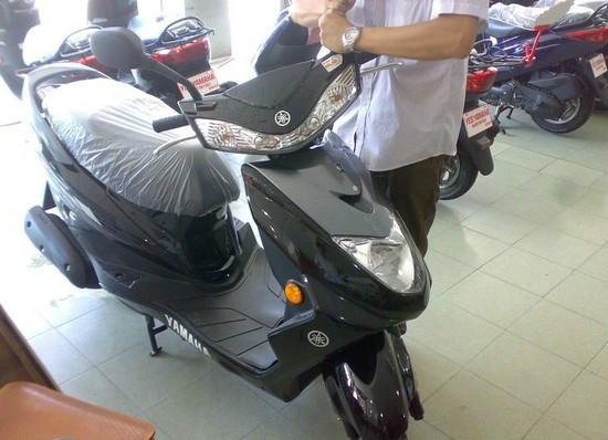 雅马哈迅鹰125摩托车 踏板摩托车价格