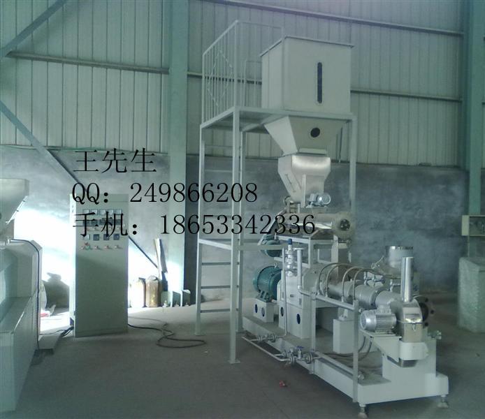 大型双螺杆膨化机,大型玉米膨化机