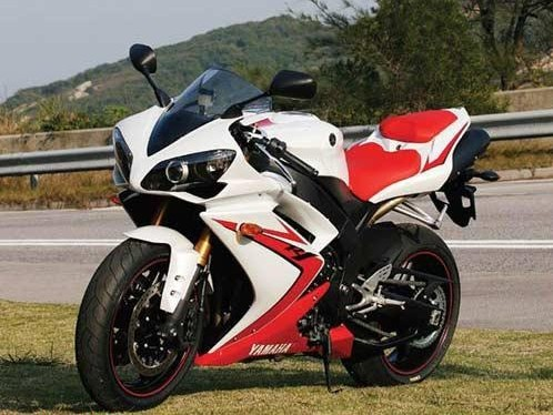 雅马哈YZF-R1摩托车价格